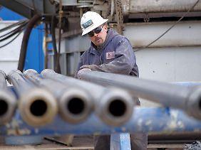 Arbeiter auf einer Bohranlage von Tekton Energy im US-Bundesstaat Colorado.