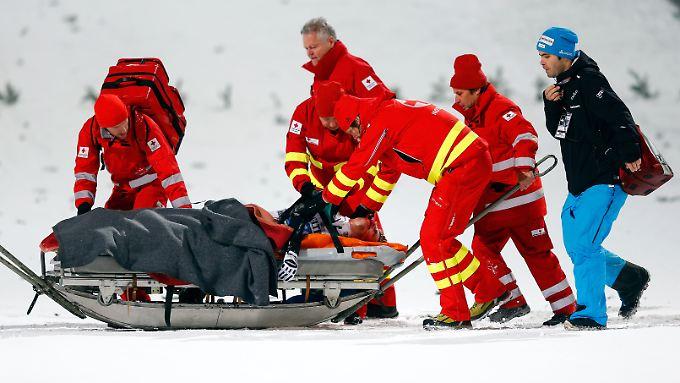 Einigermaßen glimpflich ging der Sturz von Simon Ammann aus. Der Schweizer zog sich Prellungen, aber keine Knochenbrüche zu.