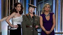 Die Moderatorinnen Tina Fey (l.) und Amy Poehler (r., mit Margaret Cho) machten sich auch über Nordkorea lustig.