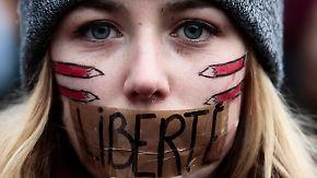 Mahnwache in Berlin: Merkel und Gauck folgen Aufruf der Muslime