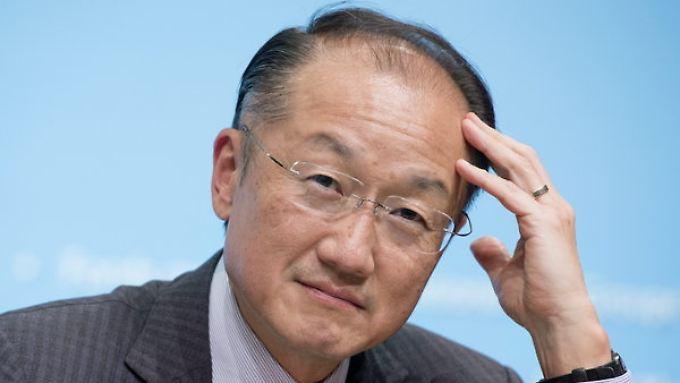 Weltbank-Präsident Jim Yong Kim erwartet weiter gedämpftes Wachstum.