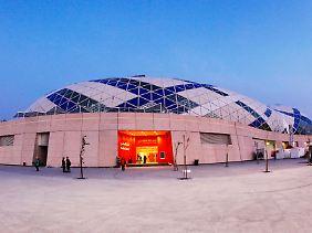 Riesige Hallen mit bis zu 15.000 Plätzen wurden gebaut, aber kommen auch Zuschauer?
