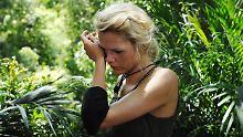 Feinde, überall Feinde: Sara Kulka muss auch am zweiten Tag zur Dschungelprüfung.