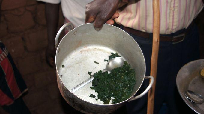 Die Reichsten haben die Hälfte, die große Mehrheit fast nichts: Das Bild zeigt eine tägliche Essensration in einem sogenannten Friedensdorf in Burundi.