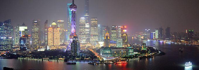 Bunte Vorzeichen des Wandels: Die Skylline von Shanghai.