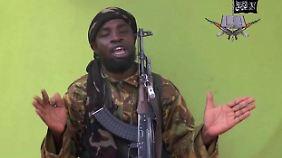 """""""Mir macht es Spaß, jeden zu töten, den Gott mich zu töten beauftragt"""", sagt Abubakar Shekau."""