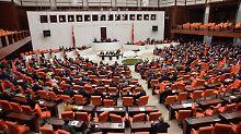 Ex-Minister werden verschont: Ankara lehnt Korruptionsprozess ab