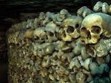"""Alchemie, Dunkelheit, Leichen: In den Pariser """"Katakomben"""" lauert der Tod"""