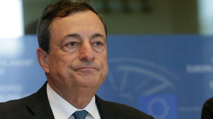 Dieses Pokerface ist schwer zu lesen: EZB-Chef Mario Draghi hat am Donnerstag seinen großen Auftritt.