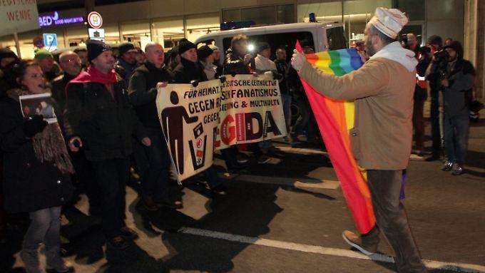 Mehrere Gegendemonstrationen versuchten, die Legida-Demo zu stören.