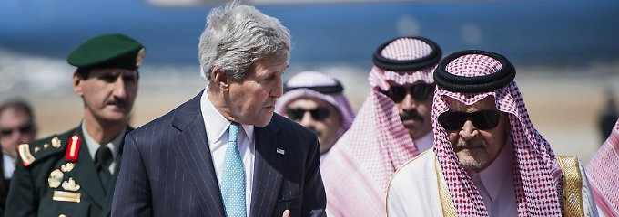 US-Außenminister bei einem Treffen mit König Abdullah im Juni 2014