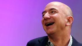 Amazon-Chef Jeff Bezos überzeugt die Anleger - trotz Verlusten.