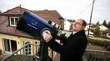 Vom eigenen Balkon aus: Hobby-Astronom entdeckt Asteroiden