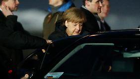 Eskalierende Lage in der Ukraine: Merkel und Hollande loten Friedenslösung mit Putin aus