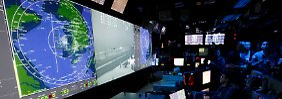 """Machtdemonstrationen in den Gewässern rund um die koreanische Halbinsel: Blick ins Operationszentrum des Flugzeugträgers """"USS George Washington"""" (Archivbild)."""