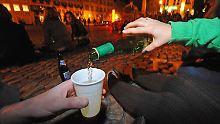 Jeder Fünfte monatlich volltrunken: Alkoholmissbrauch Jugendlicher nimmt ab