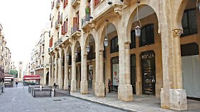 Der inzwischen nicht mehr ganz neuen Innenstadt von Beirut fehlt Lebendigkeit. Viele Läden und Wohnungen stehen leer.