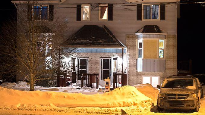 Unscheinbares Anwesen: In diesem Haus in einem Vorort von Halifax fanden Sicherheitskräfte einen der Verdächtigen tot auf.