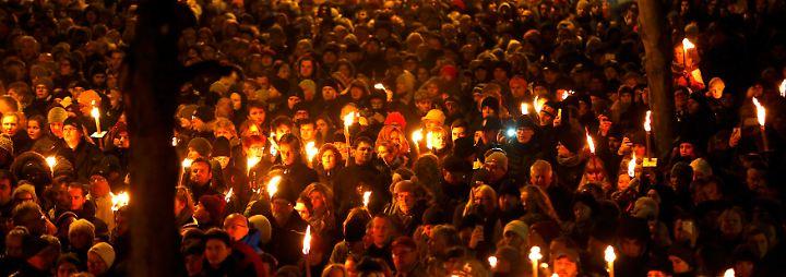Zehntausende auf den Straßen: Kopenhagen gedenkt der Terror-Opfer