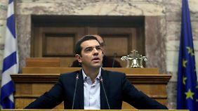 Kurswechsel in letzter Minute: Griechenland erwägt doch Antrag auf weitere Hilfe