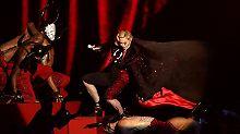Newcomer sind vorn bei Brit Awards: Tänzer reißen Madonna vom Podium
