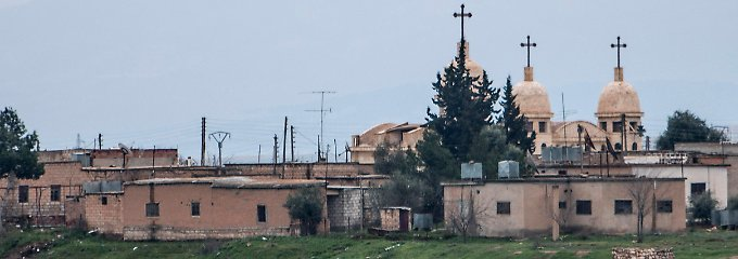 Ein verlassenes Dorf mit Kirche in der Provinz Hassaka.