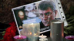 Tödliche Schüsse in Moskau: Weggefährten nehmen Abschied von ermordetem Putin-Kritiker