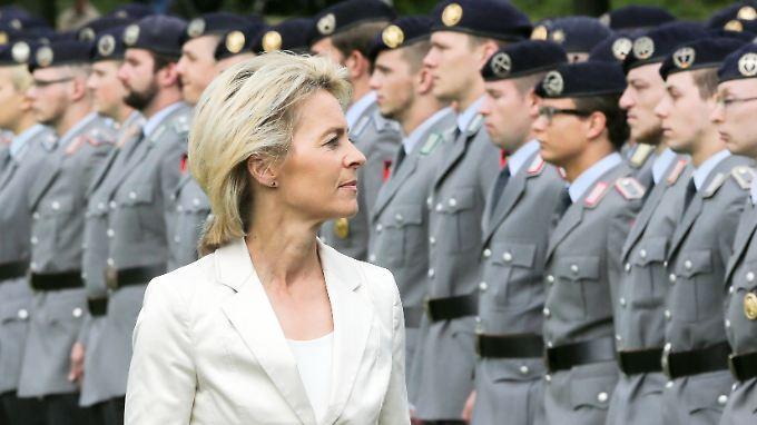 Verteidigungsministerin Ursula von der Leyen sieht ihr Amt als ultimative Härteprobe.