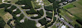 In diesem idyllischen Waldstück lagern die amerikanischen Atomwaffen: Die runden Betonplatten öffnen sich im Ernstfall, unter ihnen liegen die Silos.