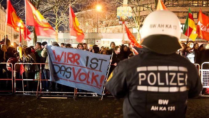 Bei einer Demonstration gegen die Pegida-Bewegung in Karlsruhe.
