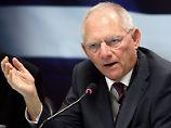 Erweiterung der Eurozone: Schäuble bremst Juncker aus