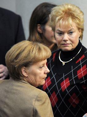 Steinbach hat mit ihrem Rückzug aus dem CDU-Vorstand die Debatte um das Profil der CDU verschärft - sehr zum Ärger Merkels.