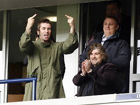 Liam kann immerhin die internationale Zeichensprache.