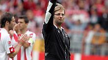 Tränen in Mainz, 12. Mai 2007: Trainer Jürgen Klopp ist gerade mit dem FSV abgestiegen.