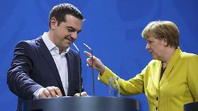 Vorsichtige Annäherung in Berlin: Merkel und Tsipras glätten die Wogen