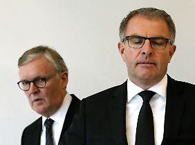 Germanwings-Chef Thomas Winkelmann und Lufthansa-Chef Carsten Spohr, sichtlich angegriffen.