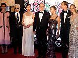 Albert kommt ohne Charlène: Lagerfeld gestaltet Monacos Rosenball