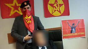 Die Entführer haben dieses Bild verbreitet, wir haben den Staatsanwalt unkenntlich gemacht.