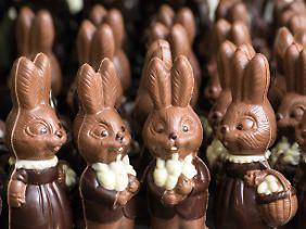 Laut Foodwatch können die Mineralöle auf verschiedenen Wegen in die Schokolade gelangen.