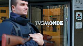 Drohungen und Propaganda: IS-Hacker legen französische Sendergruppe TV5Monde lahm