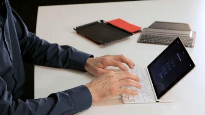 es geht auch g nstig welche tastaturh lle ist gut f rs. Black Bedroom Furniture Sets. Home Design Ideas