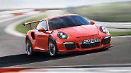 Als sportliches Aushängeschild der 911-Familie debütierte der GT3 RS auf dem Genfer Salon. Die stärkste Saugmotor-Variante des Coupés soll dank 500 PS Leistung, Leichtbau und verbesserter Aerodynamik nicht nur auf öffentlichen Straßen, sondern auch auf der Rennstrecke überzeugen. Mindestens 181.690 Euro kostet der nun erhältliche Zweisitzer.