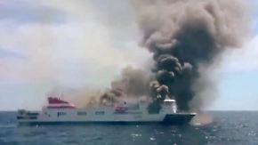 Dramatische Rettung vor Mallorca: Fähre geht in Flammen auf