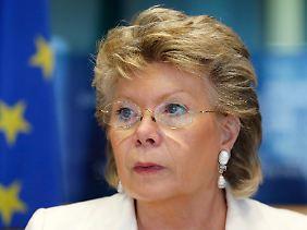 """Die frühere EU-Kommissarin für Justiz und Grundreche, Viviane Reding, sprach von einer """"Putinisierung Ungarns""""."""