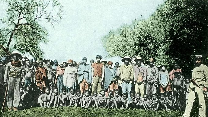 Gefangene Nama und Herero, 1904.