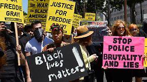 Ruf nach Gerechtigkeit in Baltimore: Tausende demonstrieren friedlich gegen US-Polizeigewalt