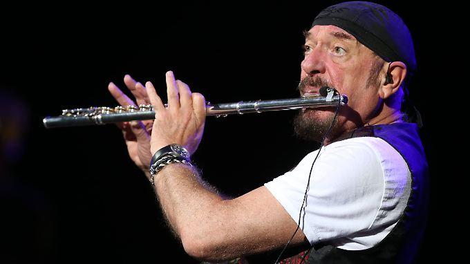 Der Mann mit der Flöte: Ian Anderson, immer mit sauberen Händen.