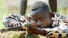 Sexsklaven, Kämpfer, Spione: Rebellen entlassen Tausende Kindersoldaten