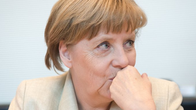 Angela Merkel will zur Wahrheitsfindung beitragen, das wichtigste Beweisstück aber zunächst nicht herausrücken.