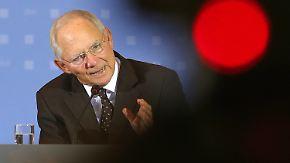 Bereits ab 2016: Schäuble kündigt Steuererleichterungen an